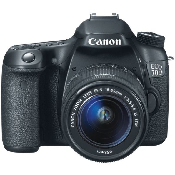 Canon Eos 70d W/18-135mm Kit